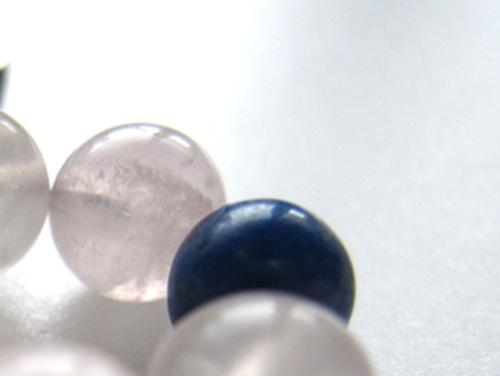 パワーストーンストラップ ラピスラズリAAA(9月誕生石)6ミリ ローズクォーツAAAA(10月誕生石)6ミリ 復縁・恋愛運・開運[日本製] (10170)