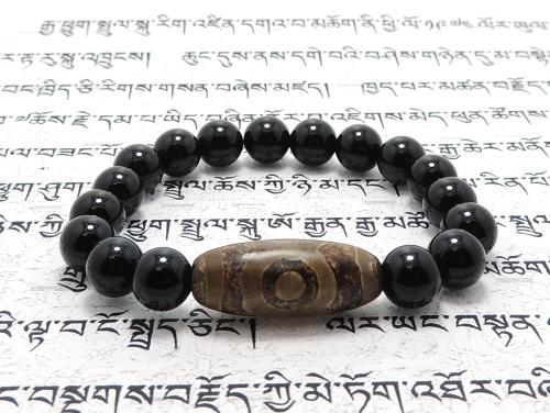 エスニックブレスレット・アジアンパワーストーン チベット天珠(三眼)AAAA25ミリ オニキスAAAAA最高品質(8月誕生日石)8ミリ 金運・魔除・厄除 [サイズ選べる][日本製][送料無料] (11162)
