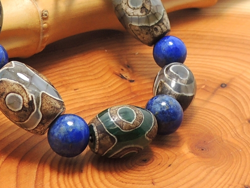 エスニックブレスレット・アジアンパワーストーン チベット天珠(三眼)AAAAナツメ玉14ミリ ラピスラズリAAAA(9月誕生日石)8ミリ 金運・開運 [サイズ選べる][日本製][送料無料] (11179)