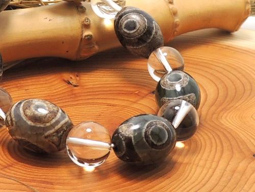 エスニックブレスレット・アジアンパワーストーン(メンズ) チベット天珠(三眼)AAAAナツメ玉16ミリ クリスタル(水晶)AAAAA最高品質(4月誕生日石)10ミリ 金運・開運 [サイズ選べる][日本製][送料無料] (11183)
