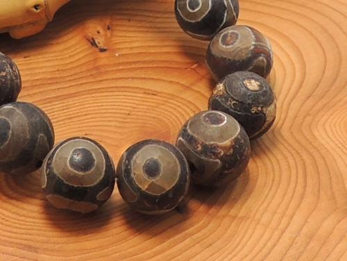 エスニックブレスレット・アジアンパワーストーン(メンズ) チベット天珠(火供養三眼)AAAA12ミリ 金運 ワンカラーブレス [サイズ選べる][日本製][送料無料] (11223)